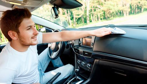 Spray Purificante Per Auto: Prezzi e Opinioni